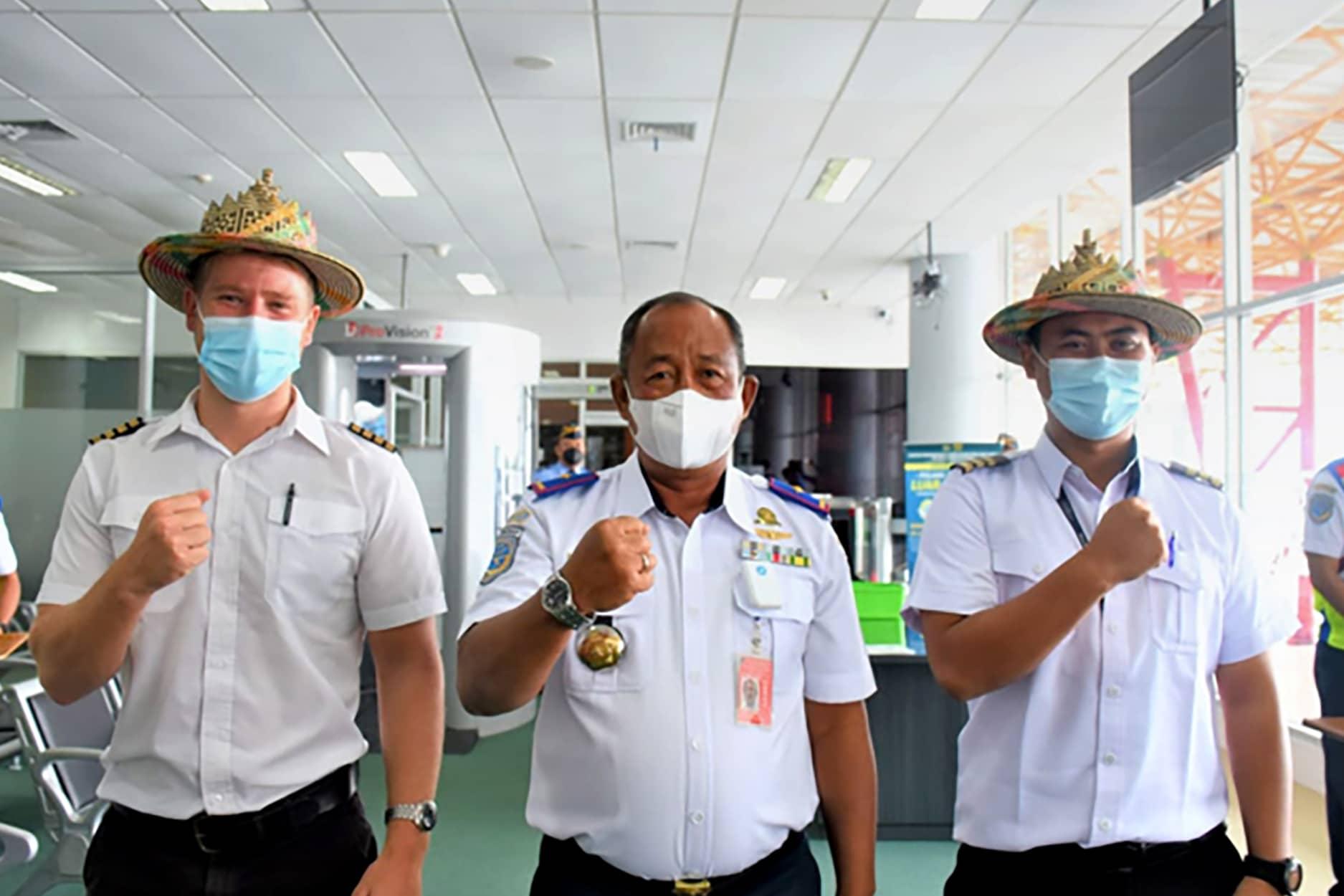 Agus Priyanto bersama pilot 1 - Kabandara Juwata Agus Priyanto; Motivasi Diri & Disiplin